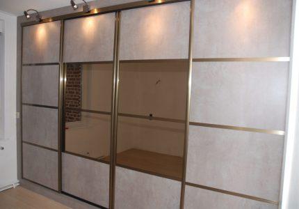 Realisation Façade décor béton clair et miroir bronze